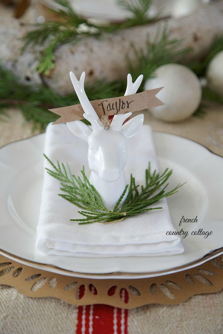 Reindeer place card holders -        Last week,   I was sitting at the table with a roll of brown painters paper   my favorite gol...