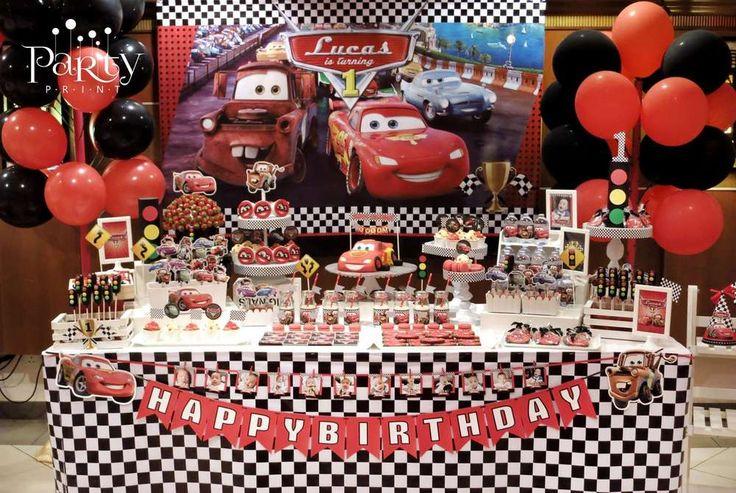 Mesa lleno de detalles Cars!                                                                                                                                                                                 Más