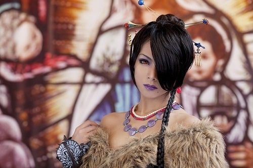 Final Fantasy X Lulu cosplay. Holy crap, she is awesome!