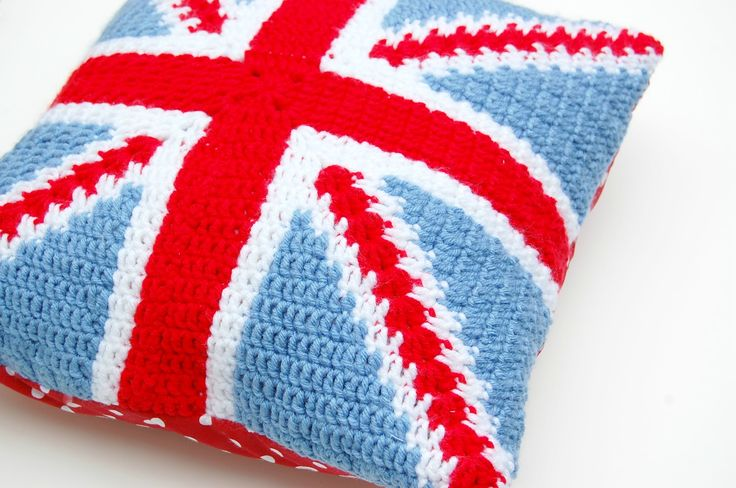 Free Knitting Pattern For Union Jack Cushion Cover : 12 best images about Union Jack Items on Pinterest Red white blue, Cushions...