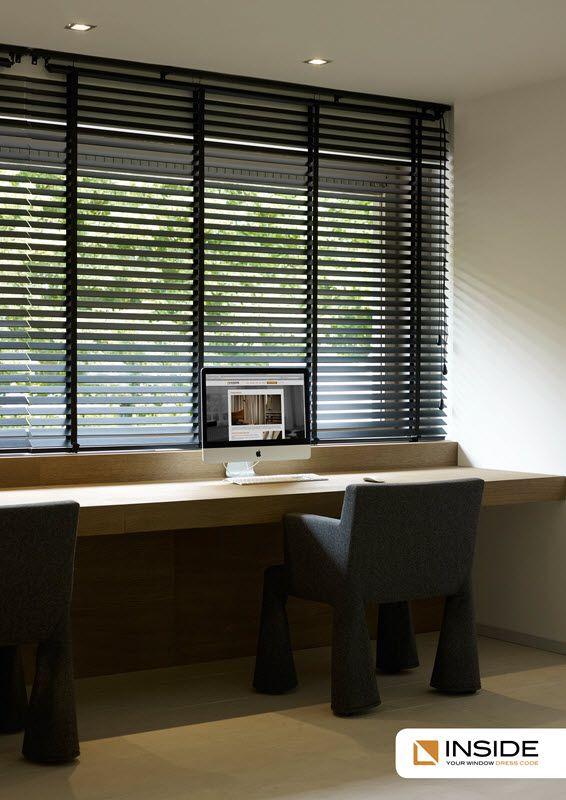 Met de juiste raamdecoratie, zoals houten jaloezieën creëer je de sfeer die je wilt hebben!