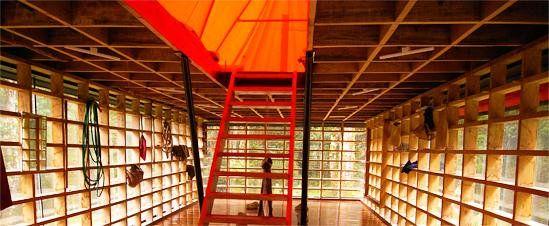 """""""SUMA HABITACIÓN. Smiljan Radic, Habitación en la Isla de Chiloé, 1992-2007 #arquiParrafos http://t.co/bkaVBYVB4c"""""""