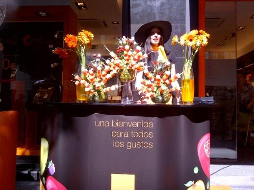 Apertura nueva tienda #ideas #Orange. #2011 #TradeMarketing.http://www.lacaseta.com