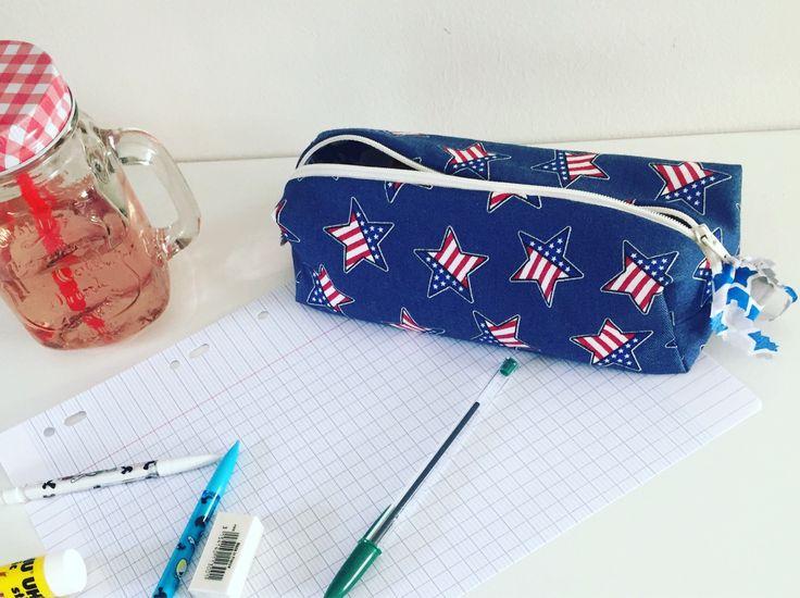Le chouchou de ma boutique https://www.etsy.com/fr/listing/555062707/trousse-decole-en-jeans-etoiles-doublee
