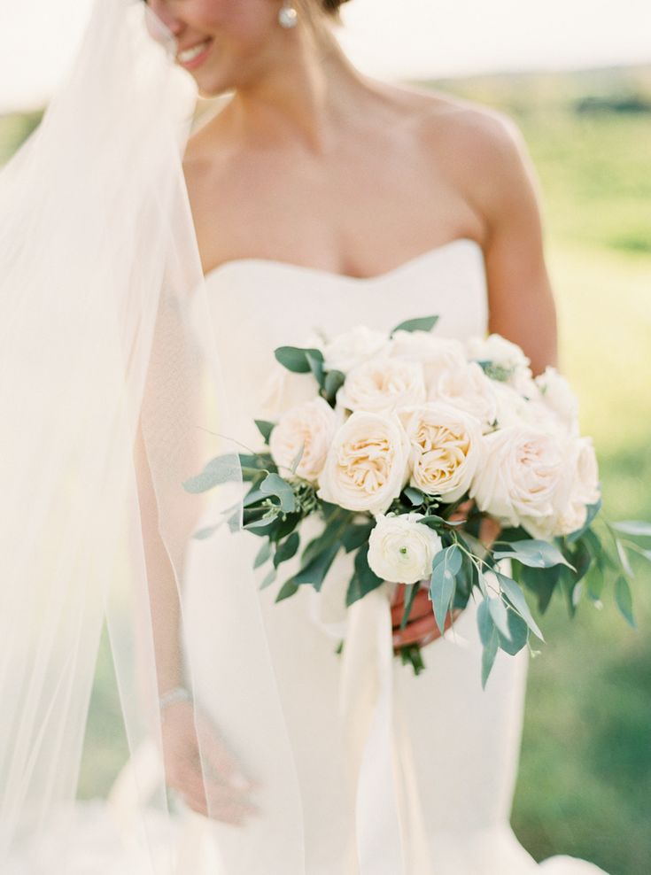 navy ontario golf club wedding white hydrangea bridal bouquet
