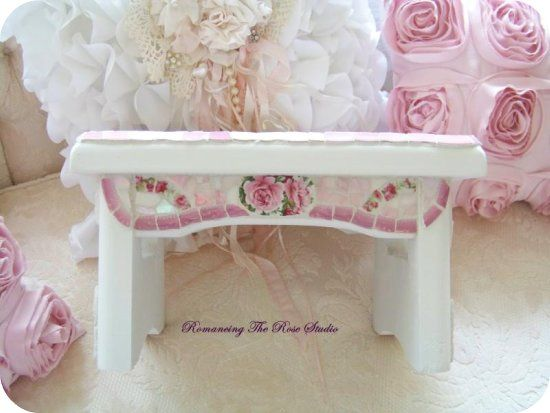 "vintage china mosaic, pink decor, pink roses, pink accessories, roses stool<html>  <head> <link rel=alternate media=print href=""http://www.swingingfantacys.com/copyrite.html""> <meta http-equiv=""Content-Type"" content=""text/html; charset=windows-1252""> <title> www.RomancingTheRoseStudio.com �Website Design by: OneSpringStreet.NET 2011"