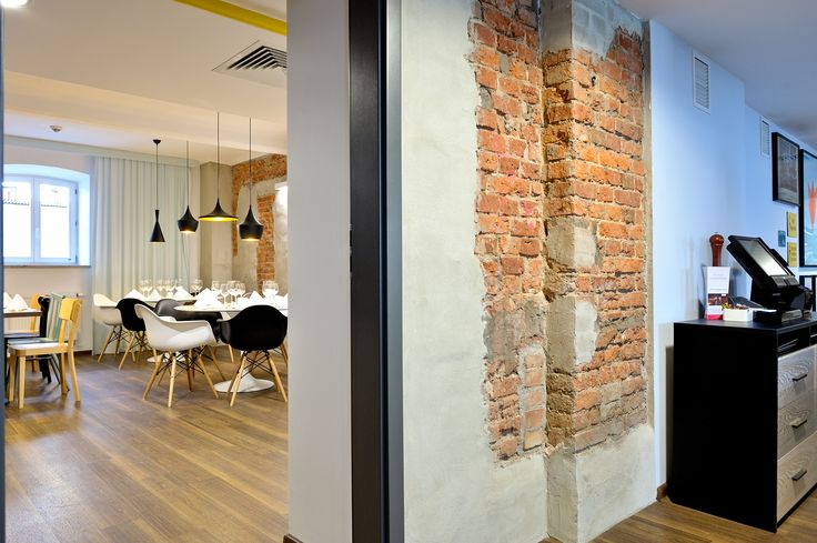 Restaurant in Hotel Tobaco - Expona Wood vinyl panels