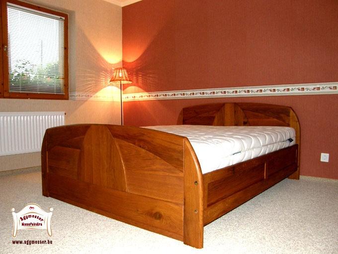 Ágyneműtartós felnőtt ágy