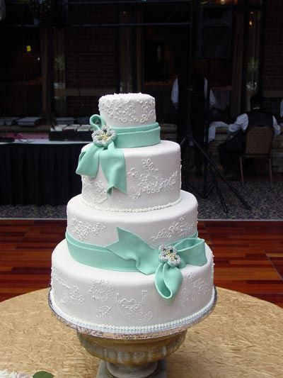 I love the lace on it and the Tiffany blue bows!