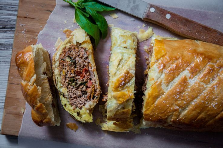 Sundried Tomato and Basil Minced Beef Wellington - Make delicious beef recipes easy, for any occasion