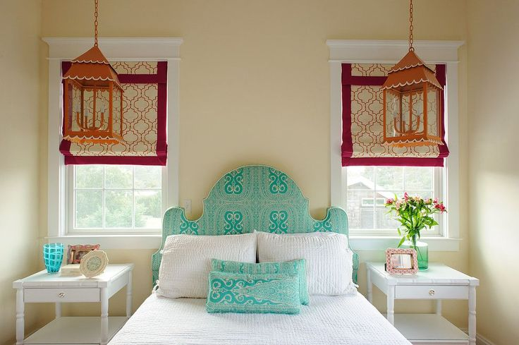 Как сшить римские шторы: 75+ вдохновляющих идей своими руками и пошаговая инструкция http://happymodern.ru/kak-sshit-rimskie-shtory-svoimi-rukami/ Узорчатые римские шторы с кантом, яркие декорированные фонари, текстильное изголовье кровати и подушки из одной ткани – идеи для обновления спальни
