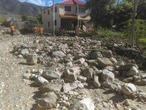Comisión del Gobierno va en auxilio de familias de Las Clavellinas