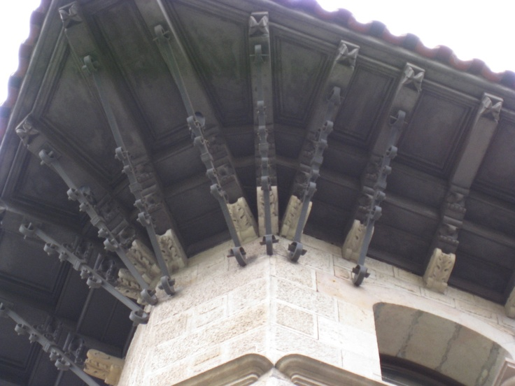 Eave detail in Barcelona.
