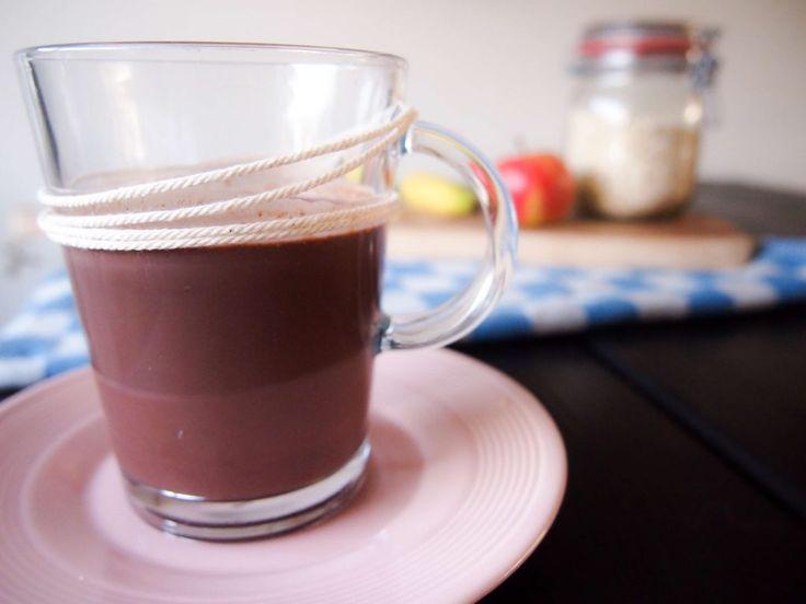3 x gezonde chocolademelk recepten: pittig, kokos of 'wake-up'