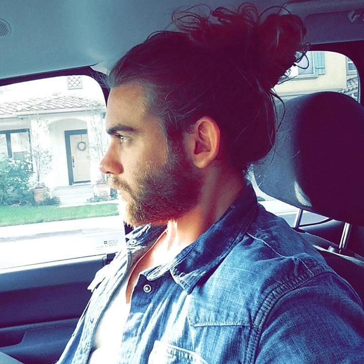 17 best images about man bun on pinterest sexy bodybuilder and eye candy. Black Bedroom Furniture Sets. Home Design Ideas
