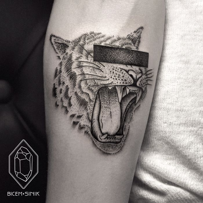 dotwork-line-geometric-tattoo-bicem-sinik-6