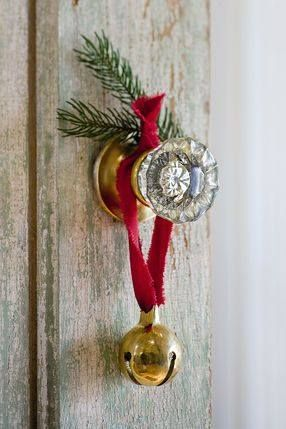 When the door is opened, the bell will jingle.