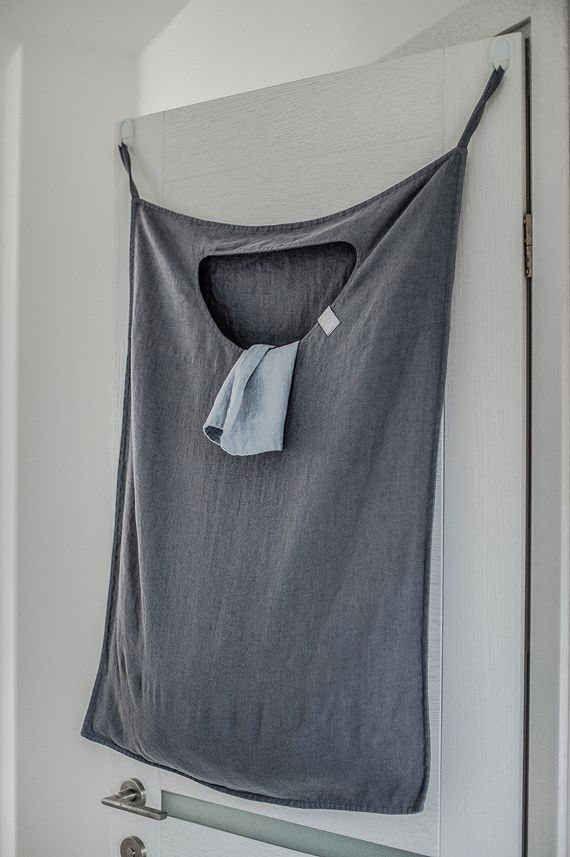 Hängender Wäschebeutel - warum kaufen, dass geht doch auch aus einem alten T-shirt!