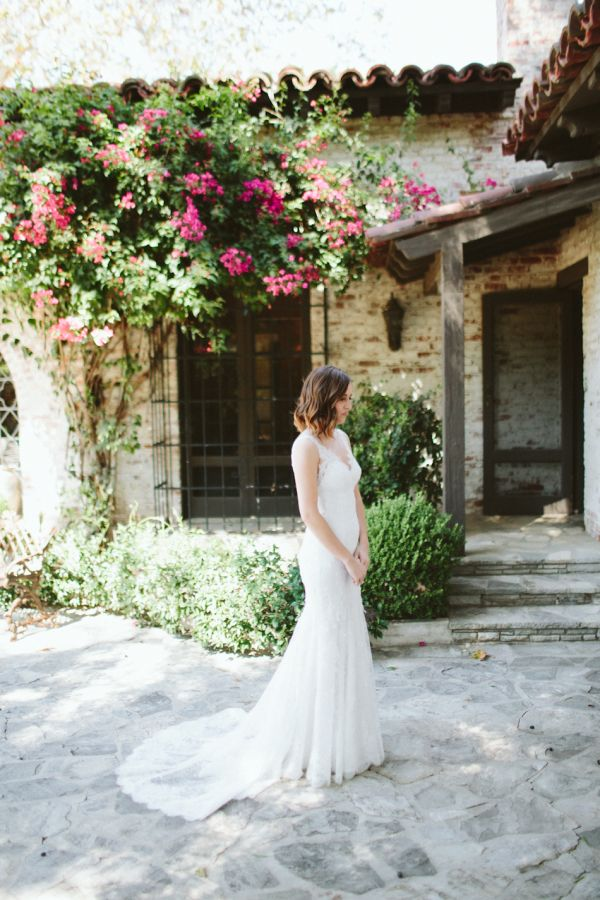 InStyle editor's rustic fall wedding: http://www.stylemepretty.com/2016/05/10/instyle-fashion-editor-real-wedding/ | Photography: Paige Jones - http://paigejones.us/