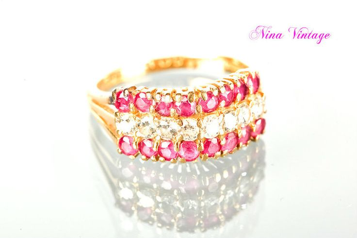 Anello Vintage 18 carati Rubini e Diamanti di Nina Vintage su DaWanda.com