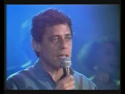 """""""Antes e depois"""". Primeiro, a interpretação de Cynara e Cybele no III Festival Internacional da Canção. Em seguida, Chico e Tom no programa da Rede Globo """"Ch..."""