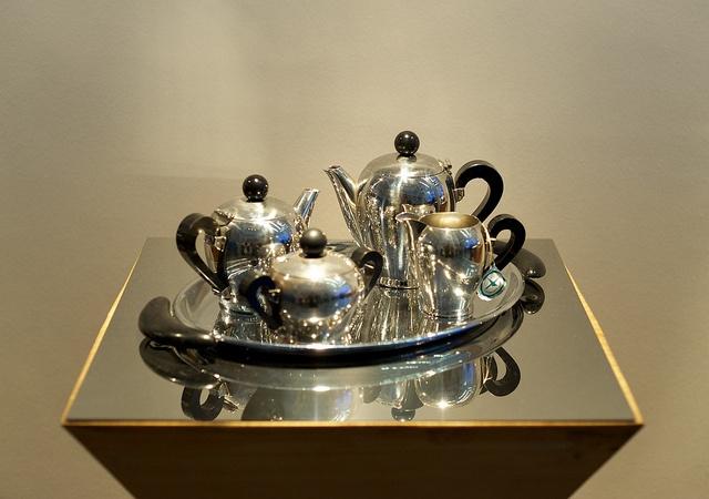 17 Best images about TEA POT S on Pinterest Walter gropius, Tea service and Tea kettles