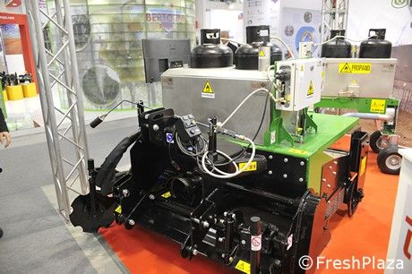Flame weeding seems to be the most popular solution when dealing with weeds. At the Eima fair, Officine Mingozzi displayed a couple of machines, one of which is new.Watch a video with Marco.....