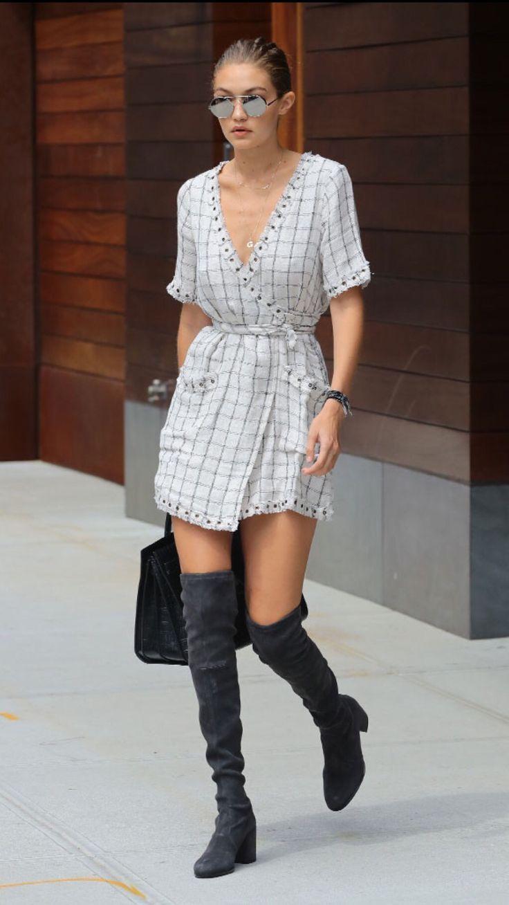 Karlie Kloss' Nude Dress & Pumps Slay Tom Ford's NYFW ...