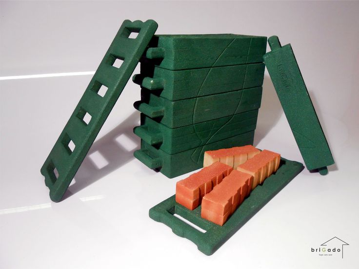 A brick-making kit designed by Tshwane University of Technology student Rotenda Gene Nevhutalu, who won one of the two Student Awards in the Structural Home Category #StudentWinners #futuredesigners #EmbracingInformality #BriGado
