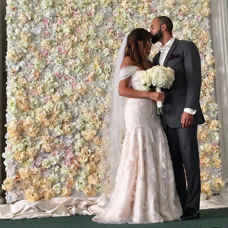 elegant wedding flower wall by paige brown designs nashville wedding planner and wedding designer