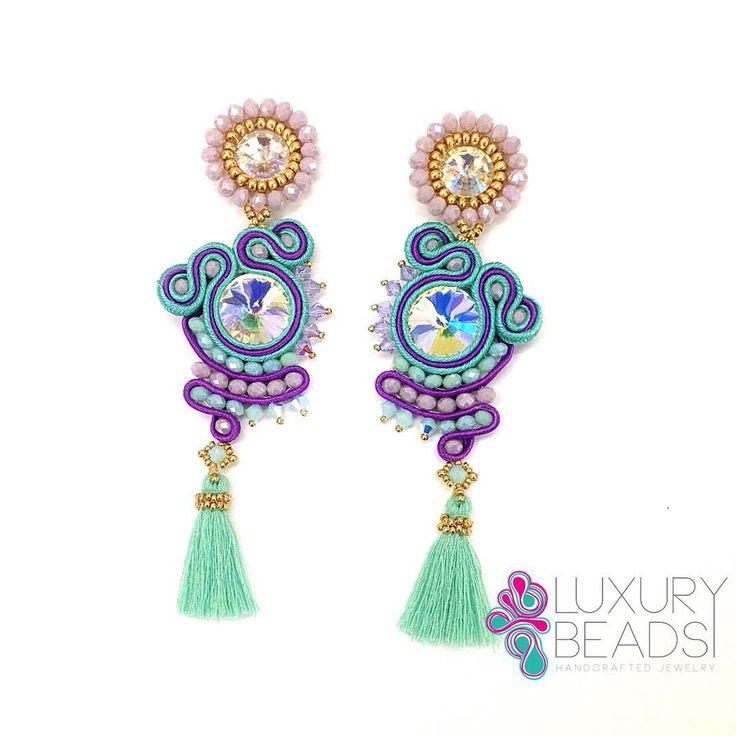 La creatividad no es mas que la inteligencia divirtiéndose, feliz noche! #earrings #soutache #statementearrings #fashiongirl #luxurybeads #handmade #zarcillos #quotes