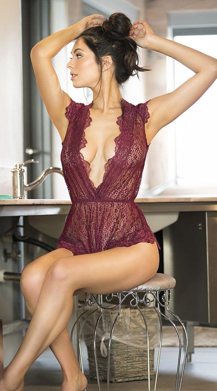 Красивые женщины в сексуальном нижнем белье фото комплект нижнего белья женские кружевное