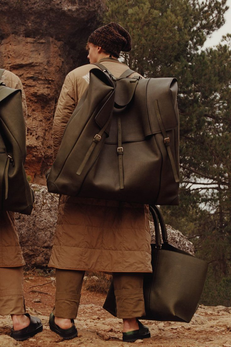 Oh the stuff I could fill this bag with...if only I could afford it...wide load. Loewe Fall 2016 Menswear Fashion Show