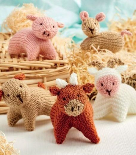 Free Knitting Pattern for Farmyard Animals - Five animals designed with similar shapes to make knitting easy including bull, dog, sheep, pig, and bunny. Designedby Sachiyo Ishii. The file needs to be unzipped after download.