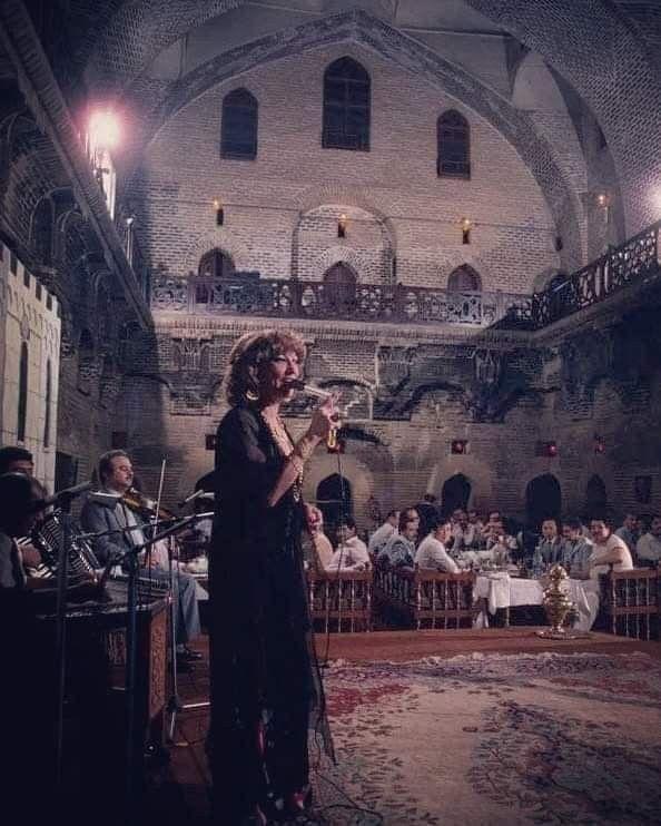 بغداد واجواء مطعم خان مرجان في الثمانينات Concert