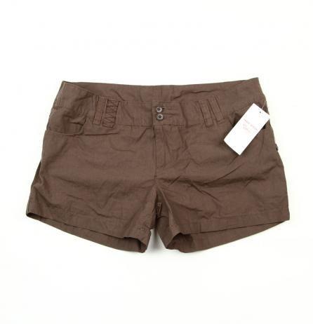 Pantaloni scurți cu 4 buzunare pret 30 Lei, Marimi: M,L. Pantaloni au aspect lejer