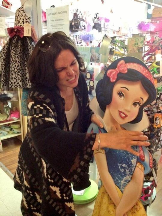 Gotta love Lana! // OUAT   Evil queen choking Snow White!