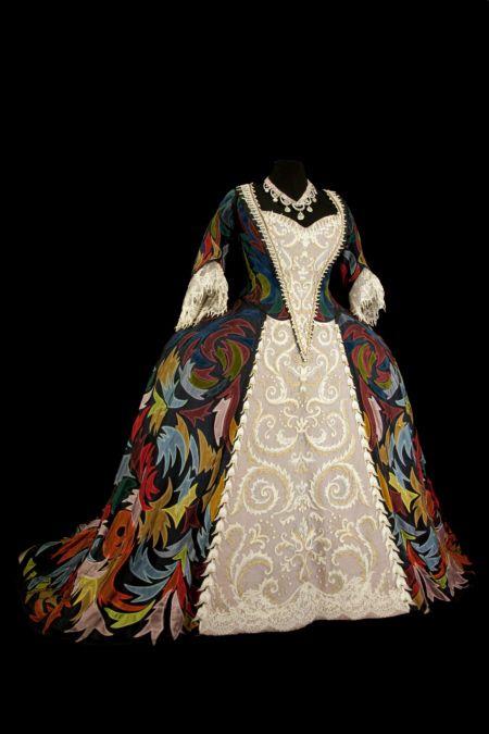 TRAJE PARA SARAH BERNHARDT EN EL PAPEL DE REINA EN RUY BLAS 1872