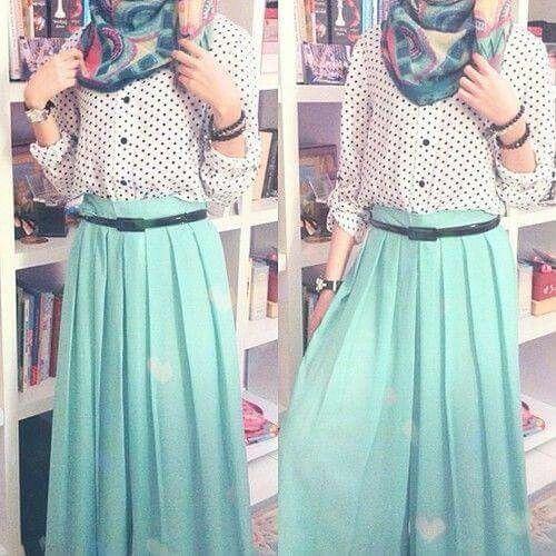 Mint maxi skirt. Hijab Chic blog.