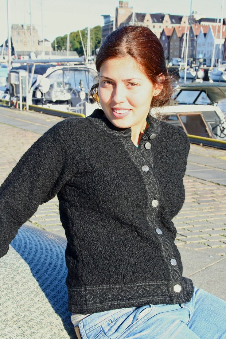 Bryggen cardigan is feminine and simple - just a little pattern with beautiful handmade pewter buttons - but both elegant and timeless. The structure of the knit makes the jacket beautiful, contemporary and it feels unbelievably comfortable to wear. Knitted in 100% wool - it breathes unlike synthetic fibres. Available in sizes XS - XXL and 4 different colours. Made in Norway