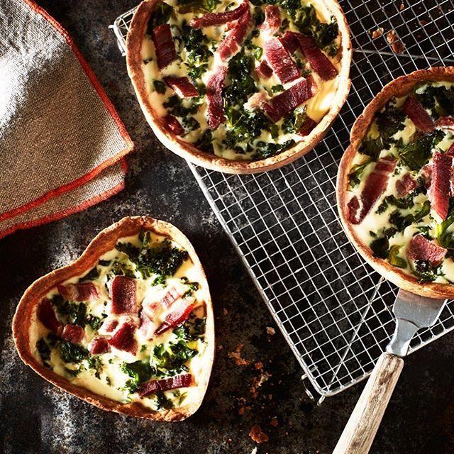 Julskinka kvar i kylen? Gör en god paj med resterna 👌🏼😋 Länk i bio ☝🏼 skinka ost spenat #arlaköket #arla #recept