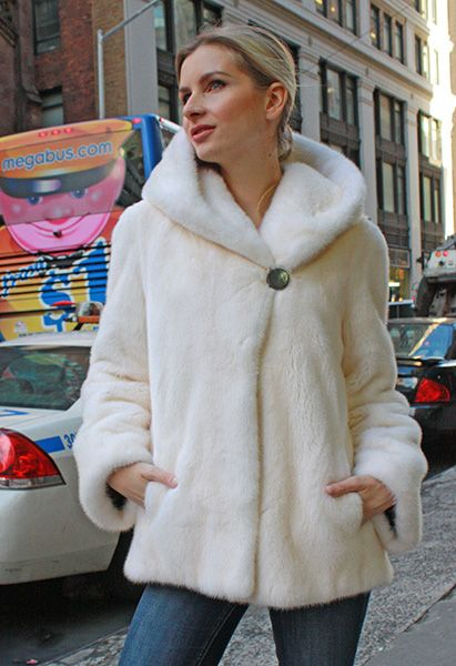 26 best Designer fur coats images on Pinterest | Furs, Mink coats ...