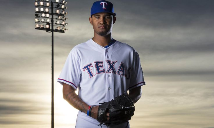 Rangers promote 2 players = The Texas Rangers have officially recalled outfielder Jared Hoying from Triple-A Round Rock and left-handed pitcher Yohander Mendez from Double-A Frisco, according to the club. Hoying has already.....