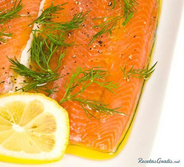 Salmón al microondas con limón