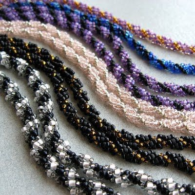Operation Tackle That Bead Stash!: Basic Stitch Tutorial - Spiral Rope