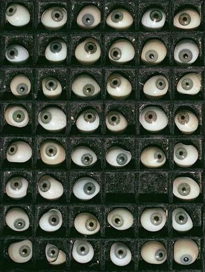 Oeil Pour Oeil, Objet De Curiosité, Accumulation, Les Bleus, Cabinet De  Curiosité, Yeux, Catalogue, Pinterest, Horreur 3941f311064e