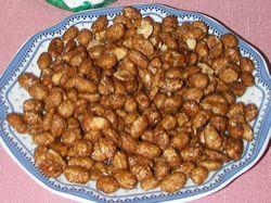 Arašídy v medovém karamelu