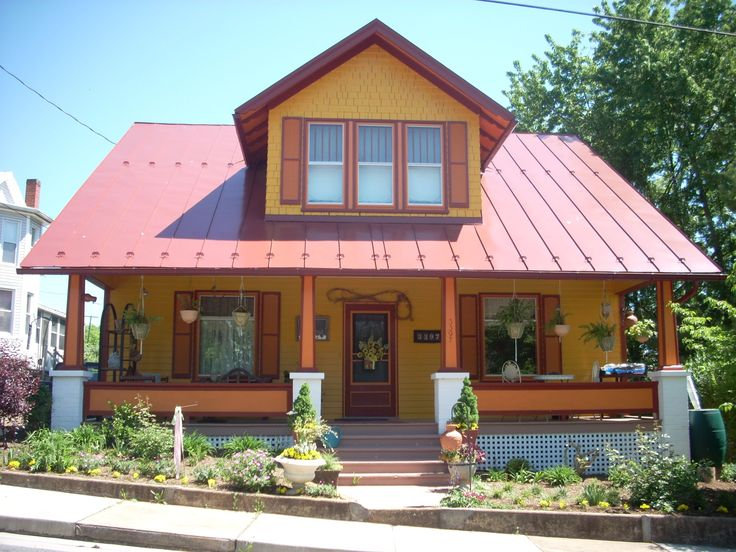 Craftsman bungalow metal roof yes for the home for Metal roof craftsman home