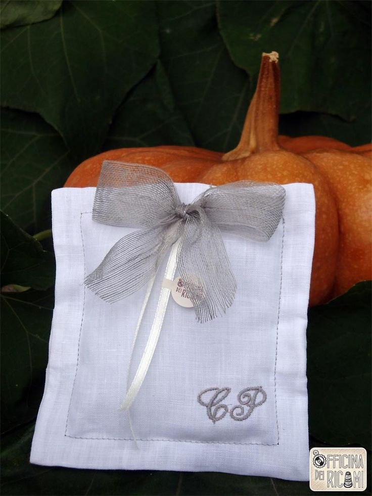 Hand made and custom confetti's bag for #wedding. Sacchetto porta Confetto per #matrimonio. Made in Italy. Model: .:: PERLA ::.
