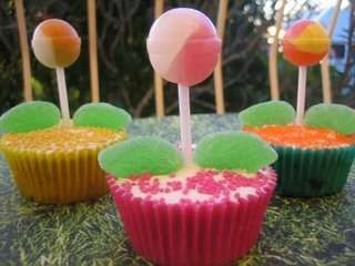 images of creative cupcakes | 34 Creative Cupcakovations - Creative Cupcakes, from Jacked ...